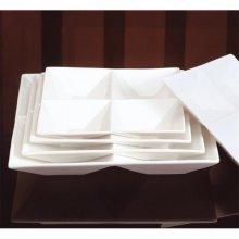 Caja de 2 Platos Cuadrados de 4 Compartimientos Porcelana de 29x29cm 131.11 GDP (Caja 2 uds)